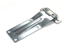 21103 Z – Rear Door Hinges with double jointed bracket to bolt-on 211 series. Length of 259 mm. Steel.